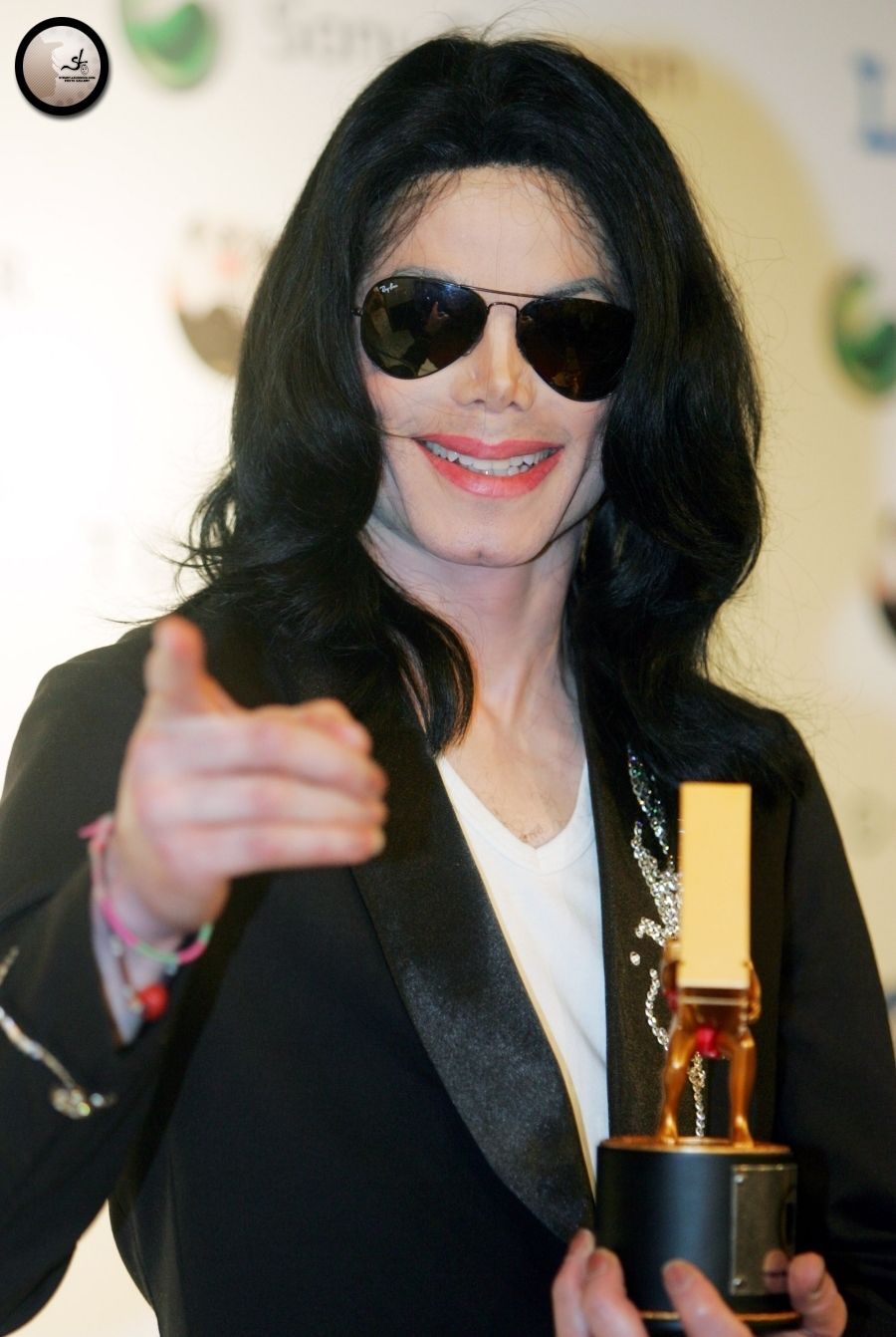 """Michael Jackson 