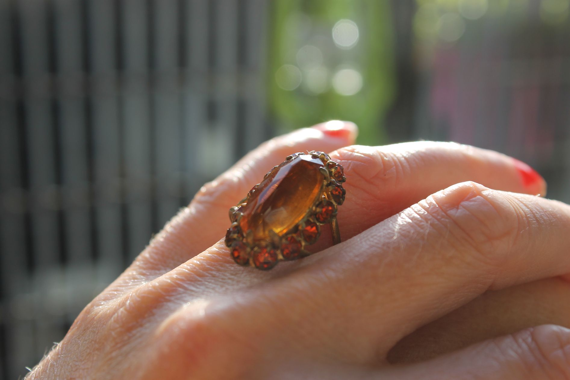 https://marketplace.asos.com/listing/rings/vintage-large-amber-ring/509896