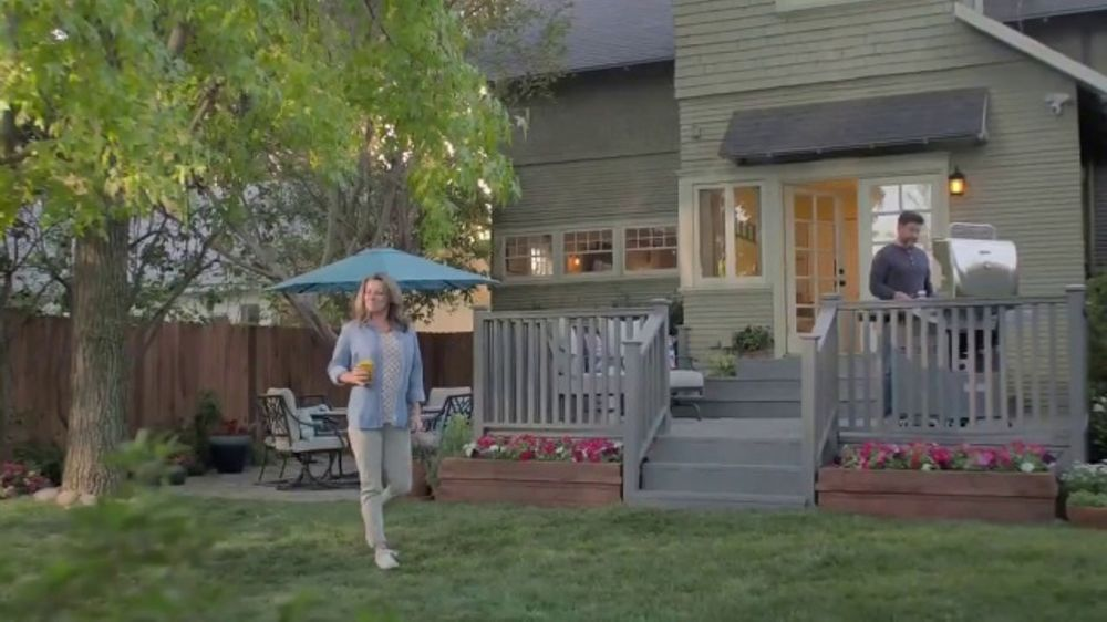 Lowe's TV Commercial, 'Spring Patio Sets'