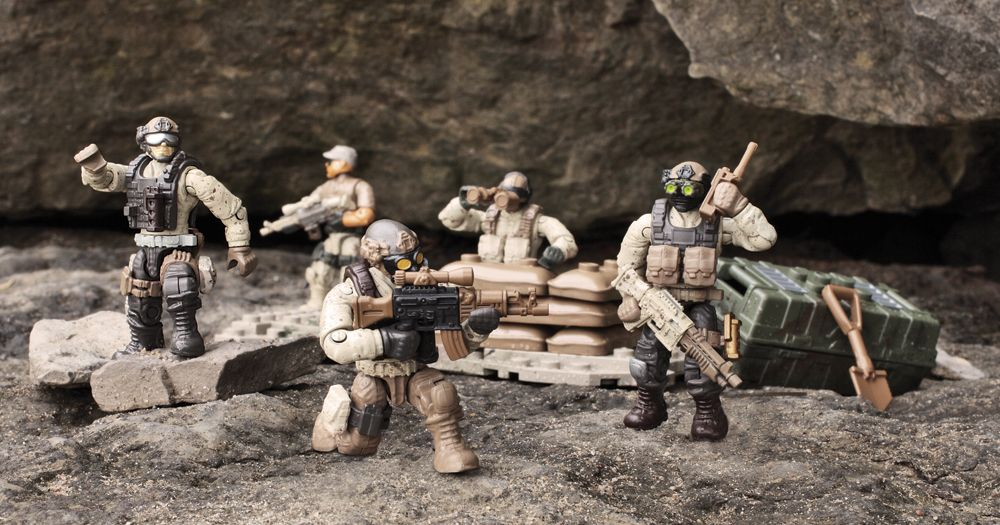 Mega Bloks introduces the Call of Duty® Collector Construction Sets.Extensive training in barren conditions makes the Desert Troopers the perfect soldiers for desert combat. Positioned on a small buildable arid-themed terrain, each of the five micro action figures possesses extreme poseability in practically any combat scenario. Authentic in-game accessories include desert camouflage uniforms, removable combat vests, binoculars, canteen, and more, that allow for mission-specific ...