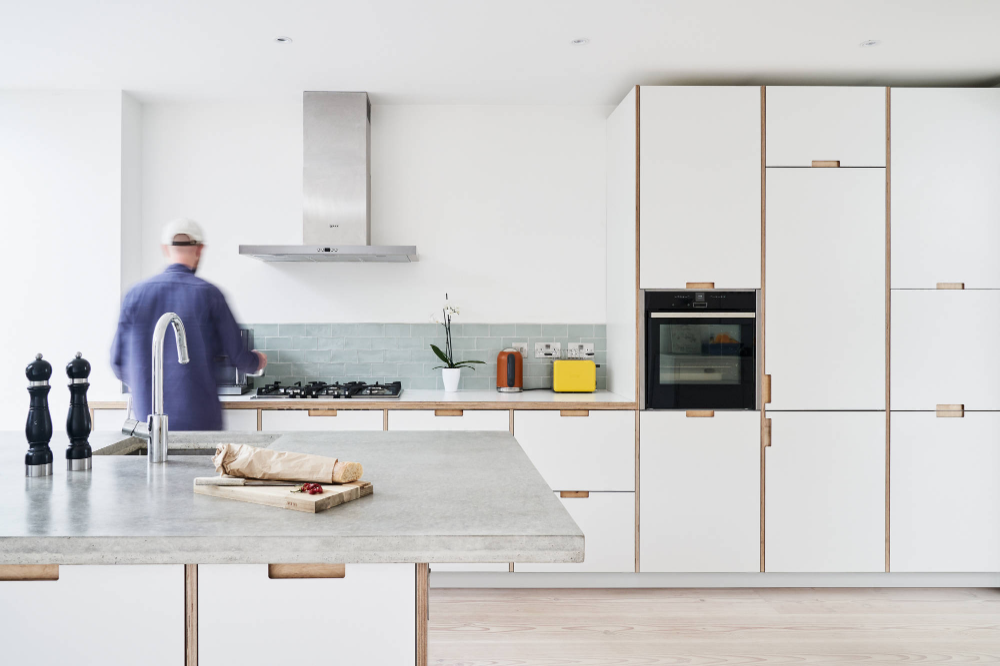 Formica Faced Plywood Kitchen In Crystal White By Plykea Ikea Keuken Gerenoveerde Keuken Keuken Ontwerpen