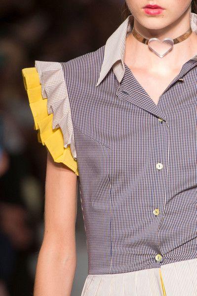 Daizy Shely Clp Bis at Milan Fashion Week Spring 2017 - Details Runway Photos