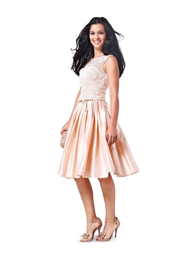 d00eeda67b6 Платье-бюстье с пышной юбкой - выкройка № 6776 из журнала 14 2015 2016  Каталог Burda – выкройки платьев на Burdastyle.ru