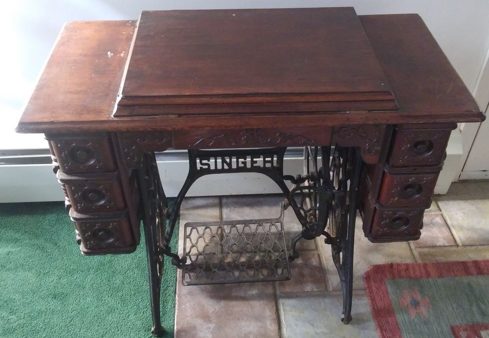 ANTIQUE SINGER SEWING MACHINE CO.DRAWER APPLIED CARVING IN LIGHT OAK FINISH