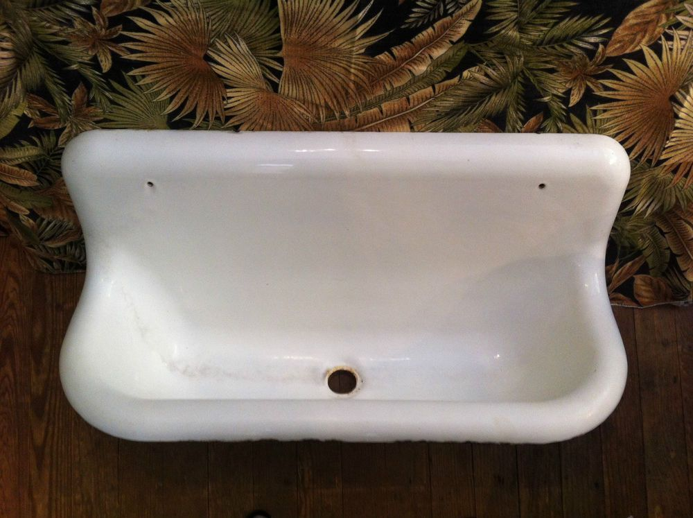 Vintage Antique Cast Iron Farm Trough Utility Sink Rare Free Freight Shipping With Images Antique Cast Iron Vintage Sink Utility Sink