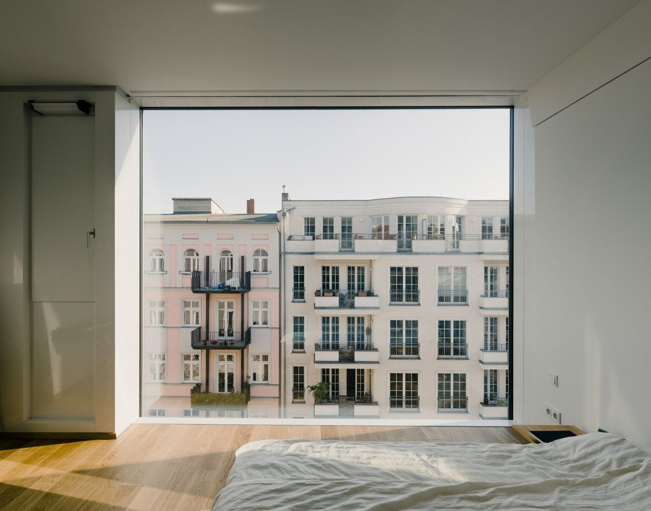 3 window bedroom ideas  Сохранённые фотографии u   фотографий  little design