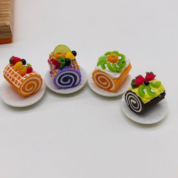 DOLLHOUSE MINIATURE 2 CHOCOLATE FRUIT CAKES FOOD DECO BAKERY BARBIES SIZE 30 MM