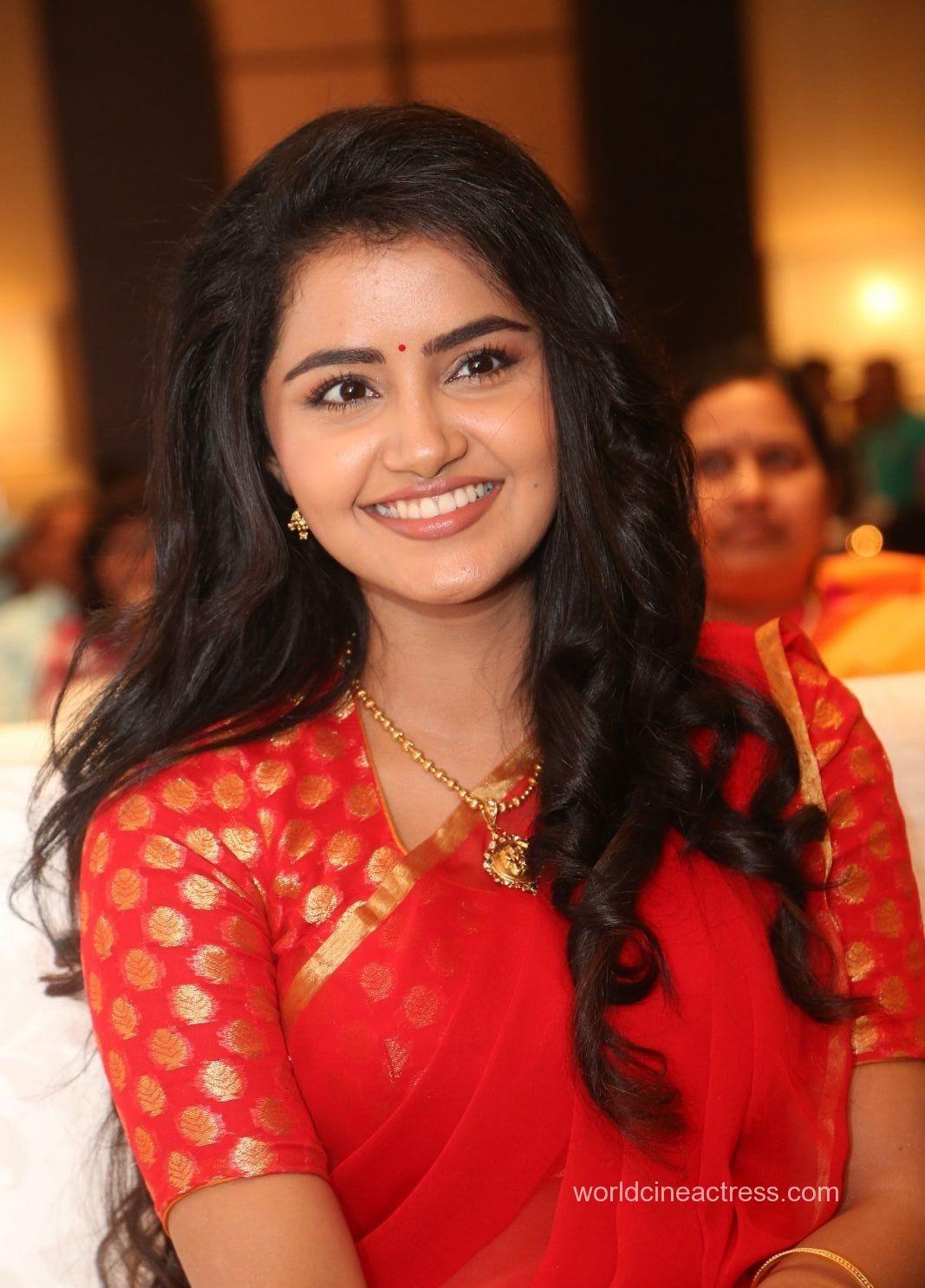 Anupama Parameswaran Actress Photos Stills Gallery