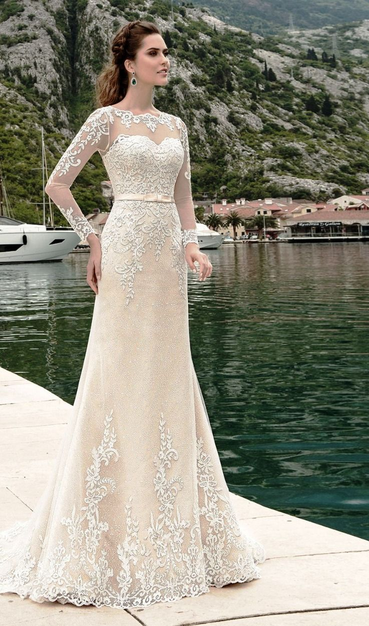 25 Beautiful Skinny Women Wedding Dress Ideas For You Skinny