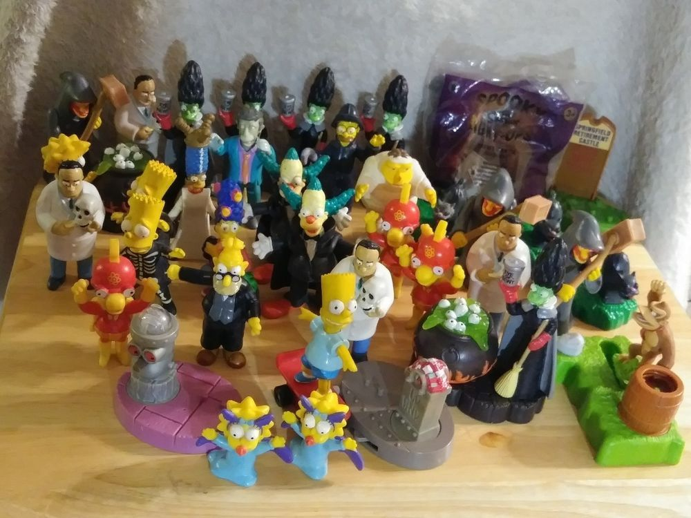 Simpsons Halloween Burger King Toy Lot Of 40 Kids Meal Toys Set 90s Vintage Rare Cool Things For The Kids Simpsons Halloween Kids Meals Halloween