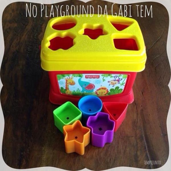 10 Brinquedos Recomendados Para Bebes Formas Para Encaixar Esse Tipo De Jogo Desenvolve A Relacao Fisher Price Criancas Aprendendo Desenvolvimento Infantil
