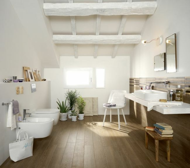 Modernes Badezimmer Großflächiger Trend Fugenlose Bäder 2018: Natur Materialien Holz Möbel