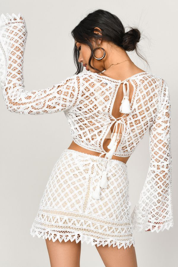 what do you wear with a white lace skirt