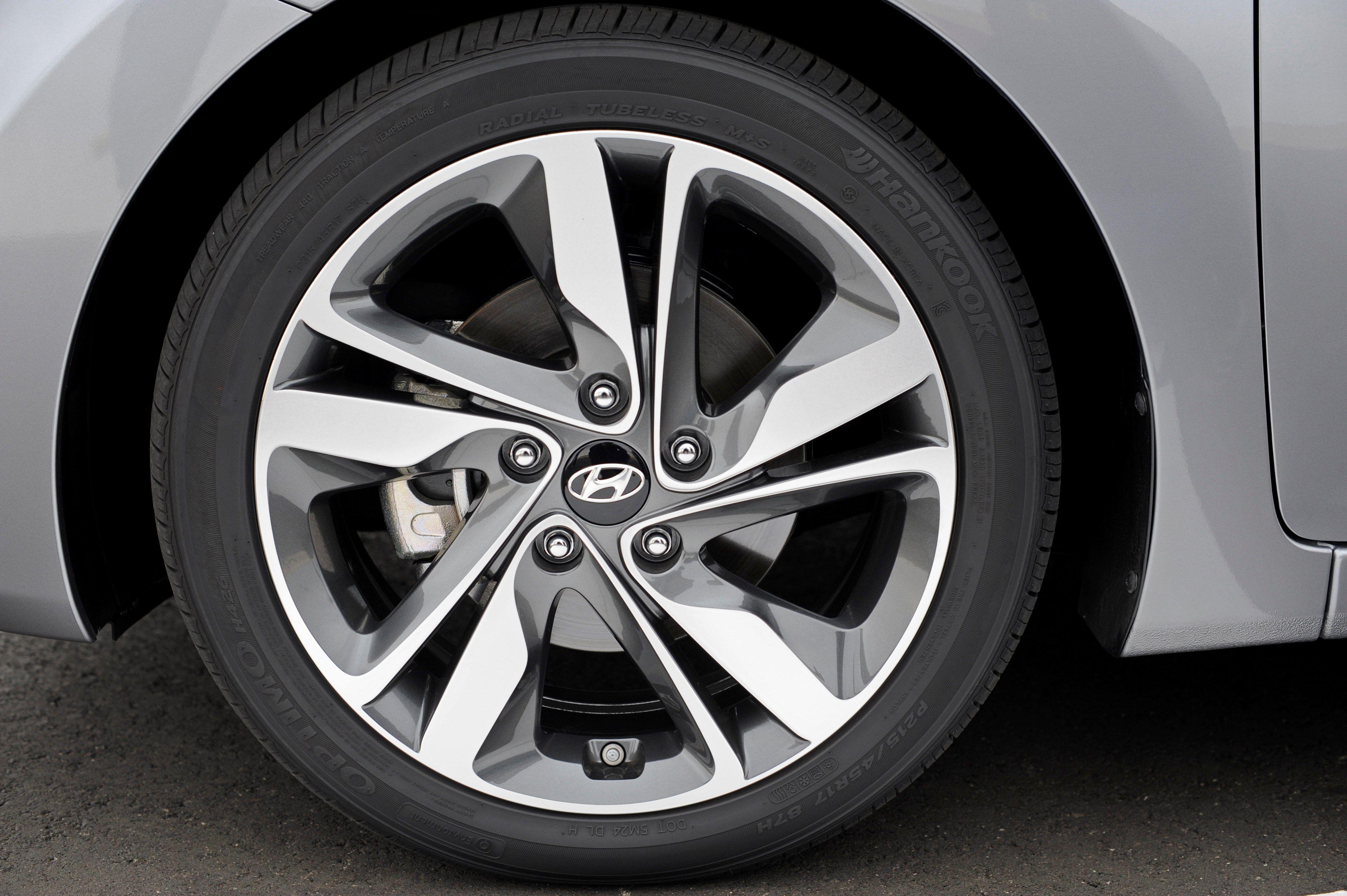 sedans with manual transmission 2014