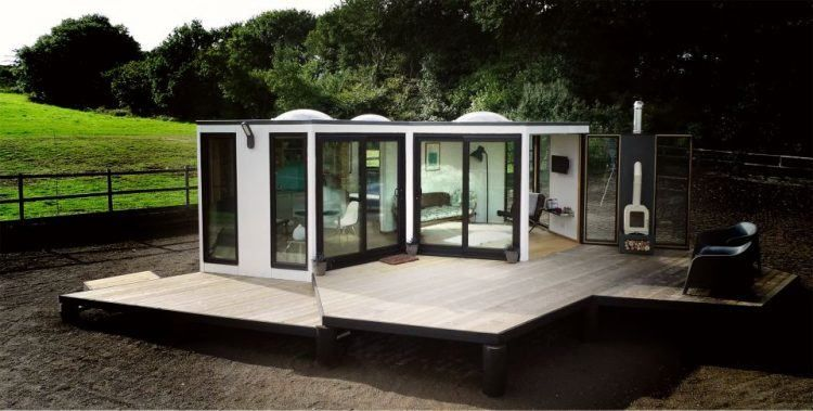 100 Tiny Houses That Make Downsizing Look Good Tiny houses, Small