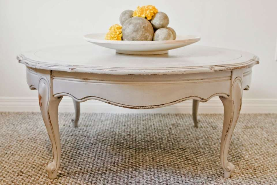A Comprehensive Overview On Home Decoration In 2020 Shabby Chic Coffee Table French Country Coffee Table Shabby Chic Round Coffee Table