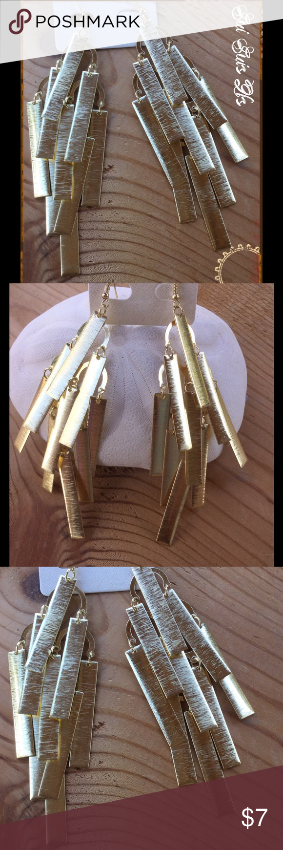Gold chandelier style earrings Large brushed gold tone earrings💕Buy one jewelry item get the second one 1/2 off 💕 Jewelry Earrings