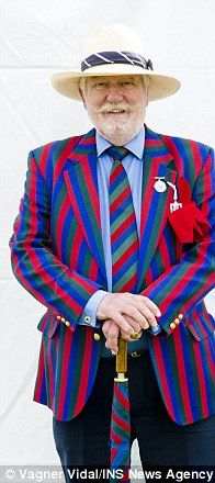 British regatta blazers http://www.dailymail.co.uk/femail/article-2356897/Blazer-glory-Men-make-style-statement-jackets-Henley-Royal-regatta-dont-look-closely-stains-badge-honour.html
