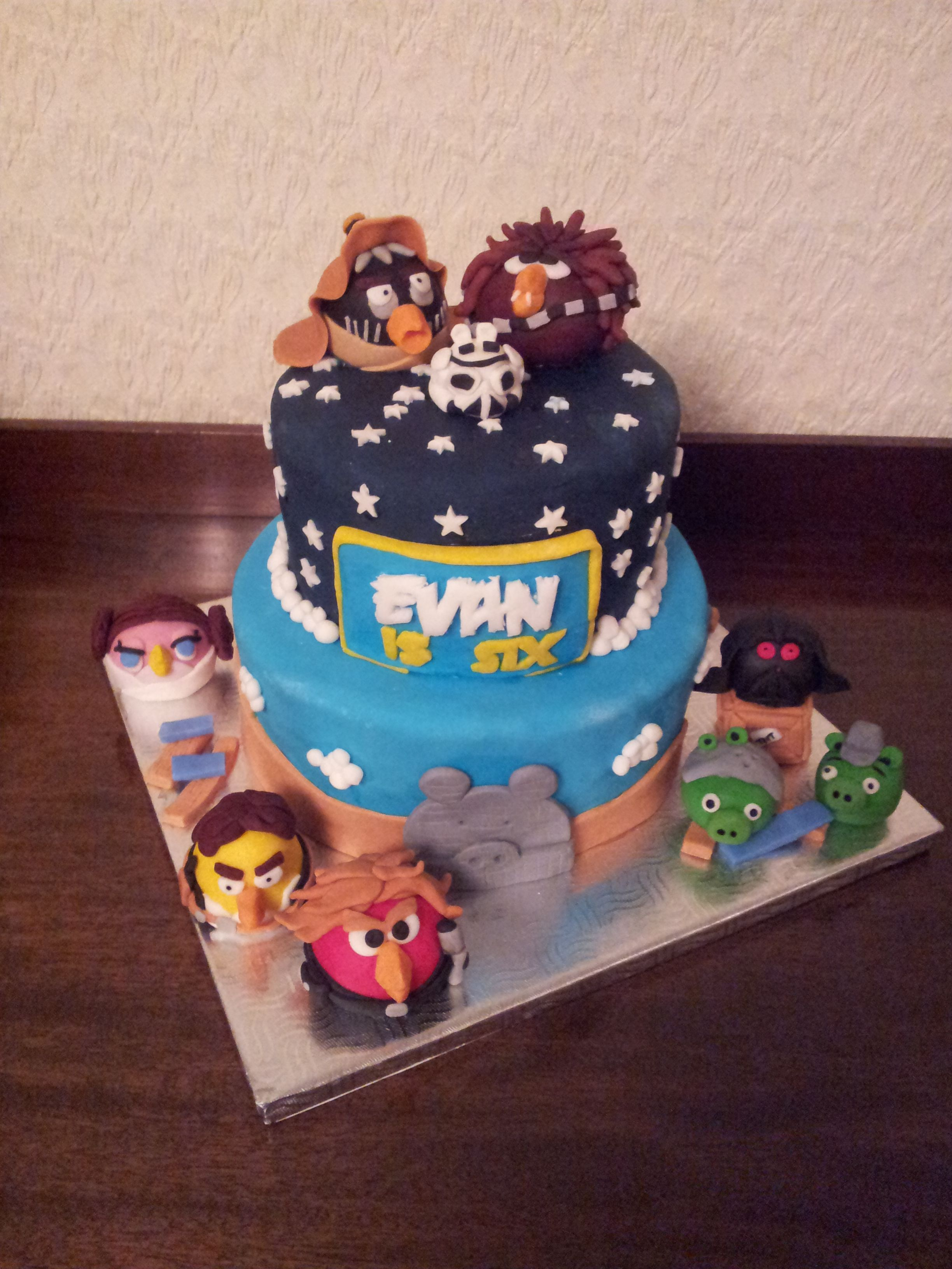 Angry Birds Star War Cake