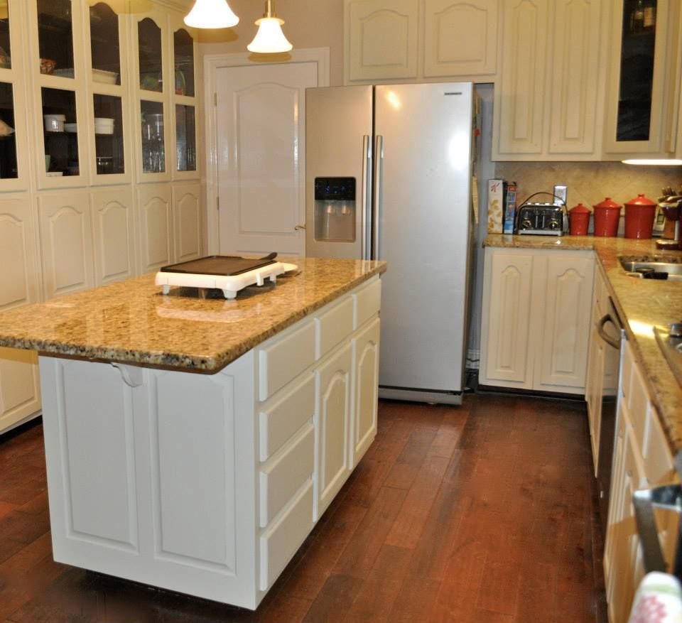Custom Painted Kitchen Cabinets By Vintage Charm And Restoration Kitchen Inspirations Painting Kitchen Cabinets Kitchen Paint