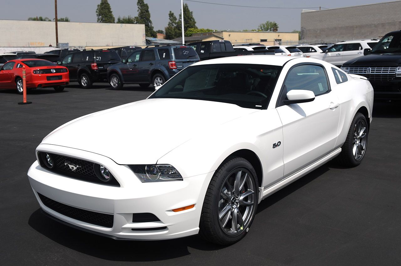 2013 ford mustang gt white - Ford Mustang 2013 White