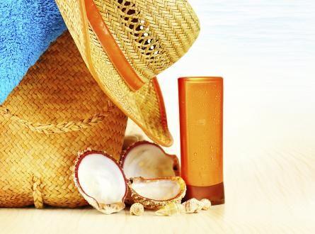 Harva aurinkovoide täysin turvallinen - iso osa jopa lisää ihosyövän riskiä | Terve.fi