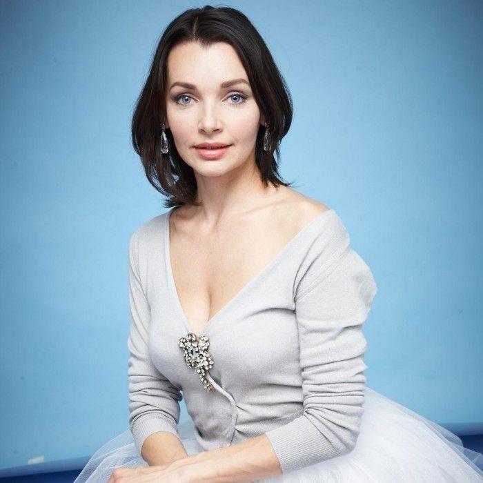 присмотревшись начинаешь фото база российских актрис девочки переодевались, осматривались