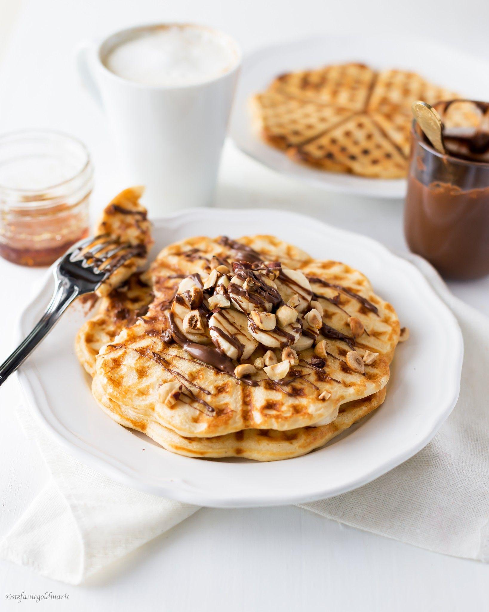 buttermilk banana waffles with nutella   brunch   Pinterest   Comida