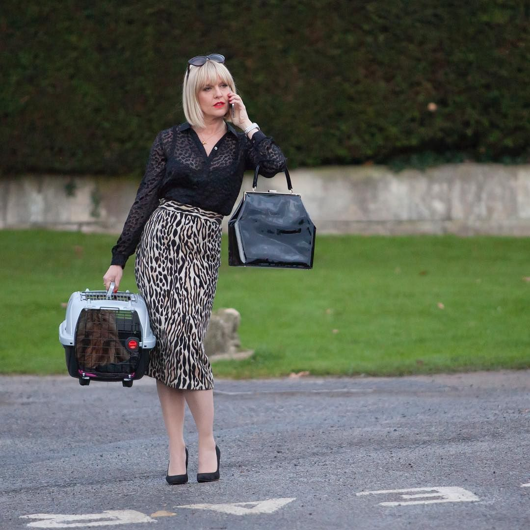 Happy Nationalhandbagday Agatha Raisin Knows How To Sleuth In