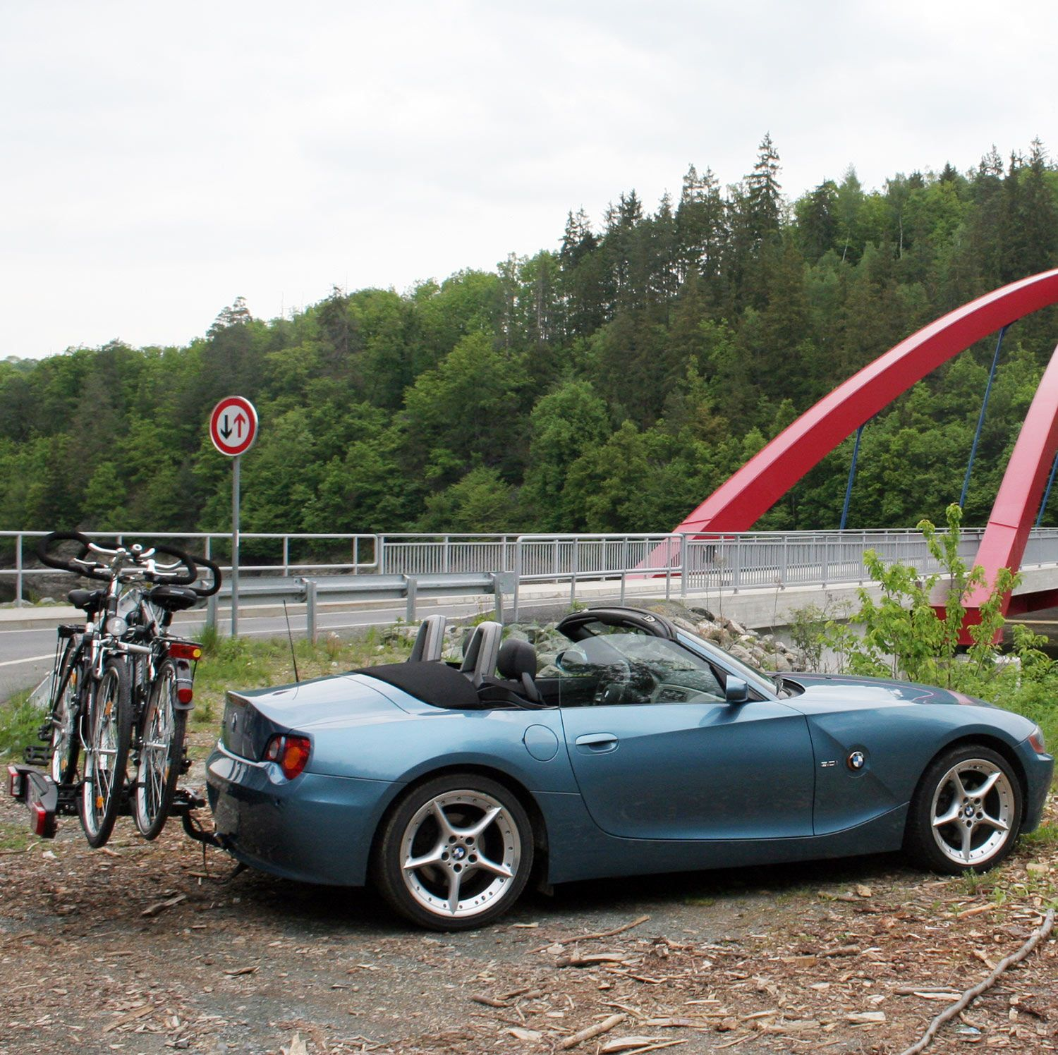 bmw z4 mit anh ngerkupplung und fahrradtr ger cars. Black Bedroom Furniture Sets. Home Design Ideas