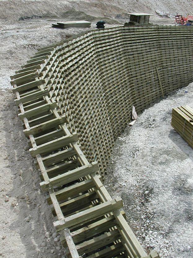 Muro de contención de madera gaviones a rellenar de piedra Muros