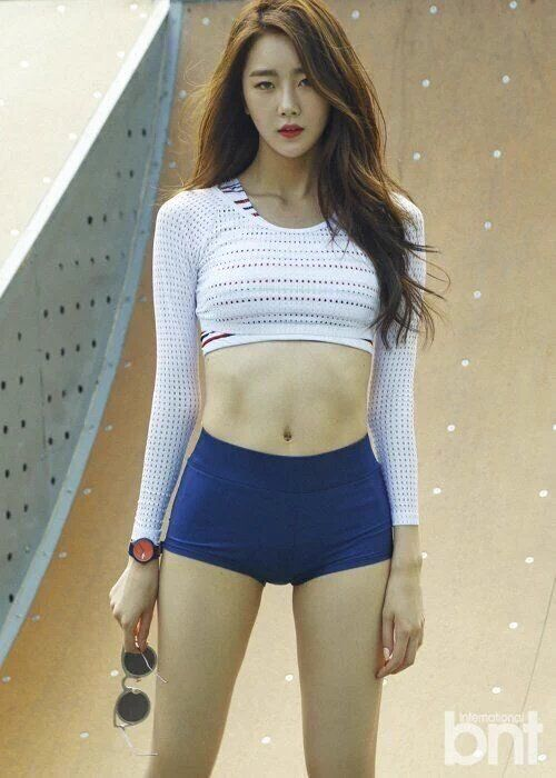 Fans Name Her As Female Idol With Best Abs Kpop Girls Girls Are Awesome Fashion
