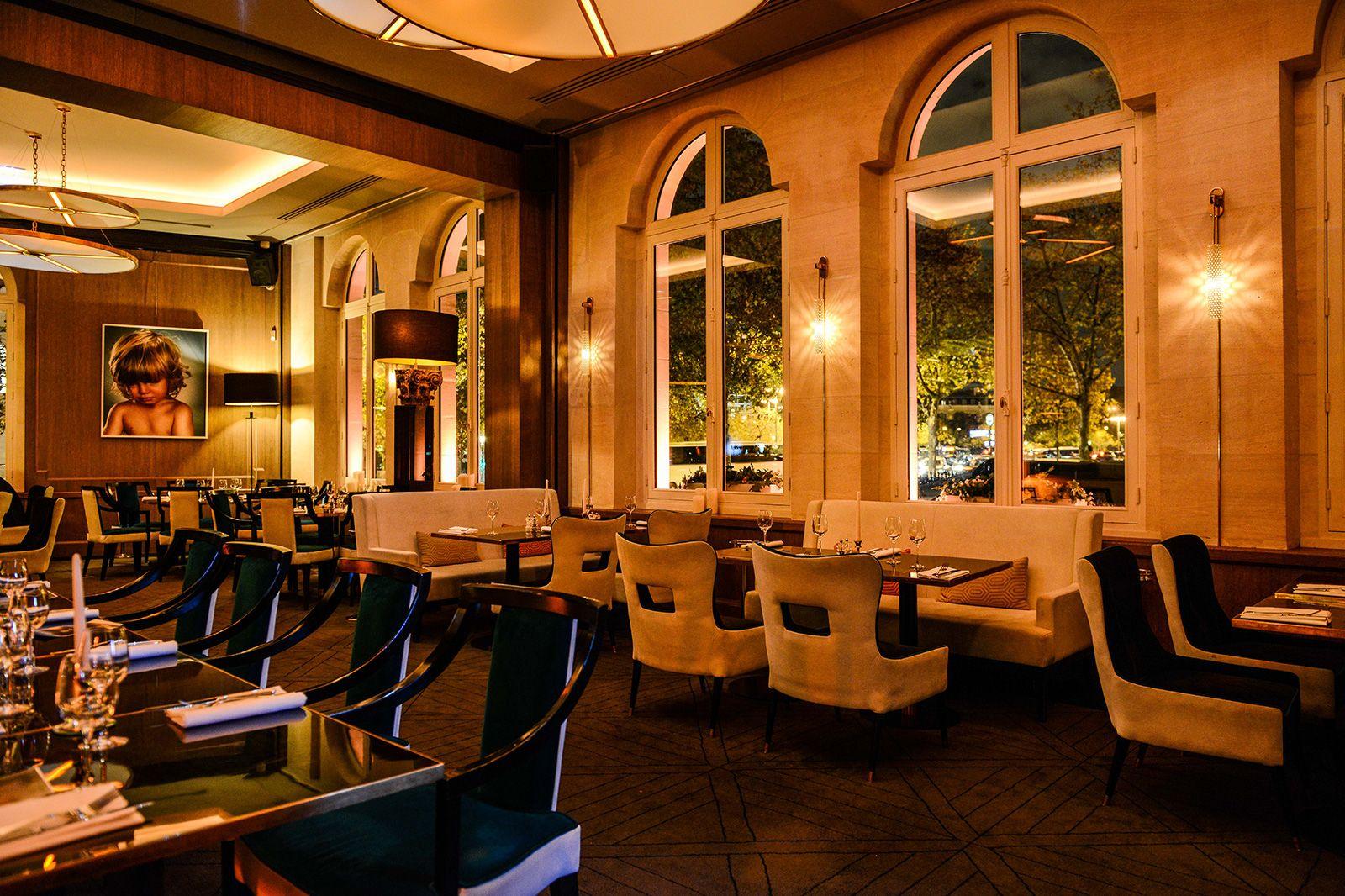 l'ARC-Paris_restaurant_2