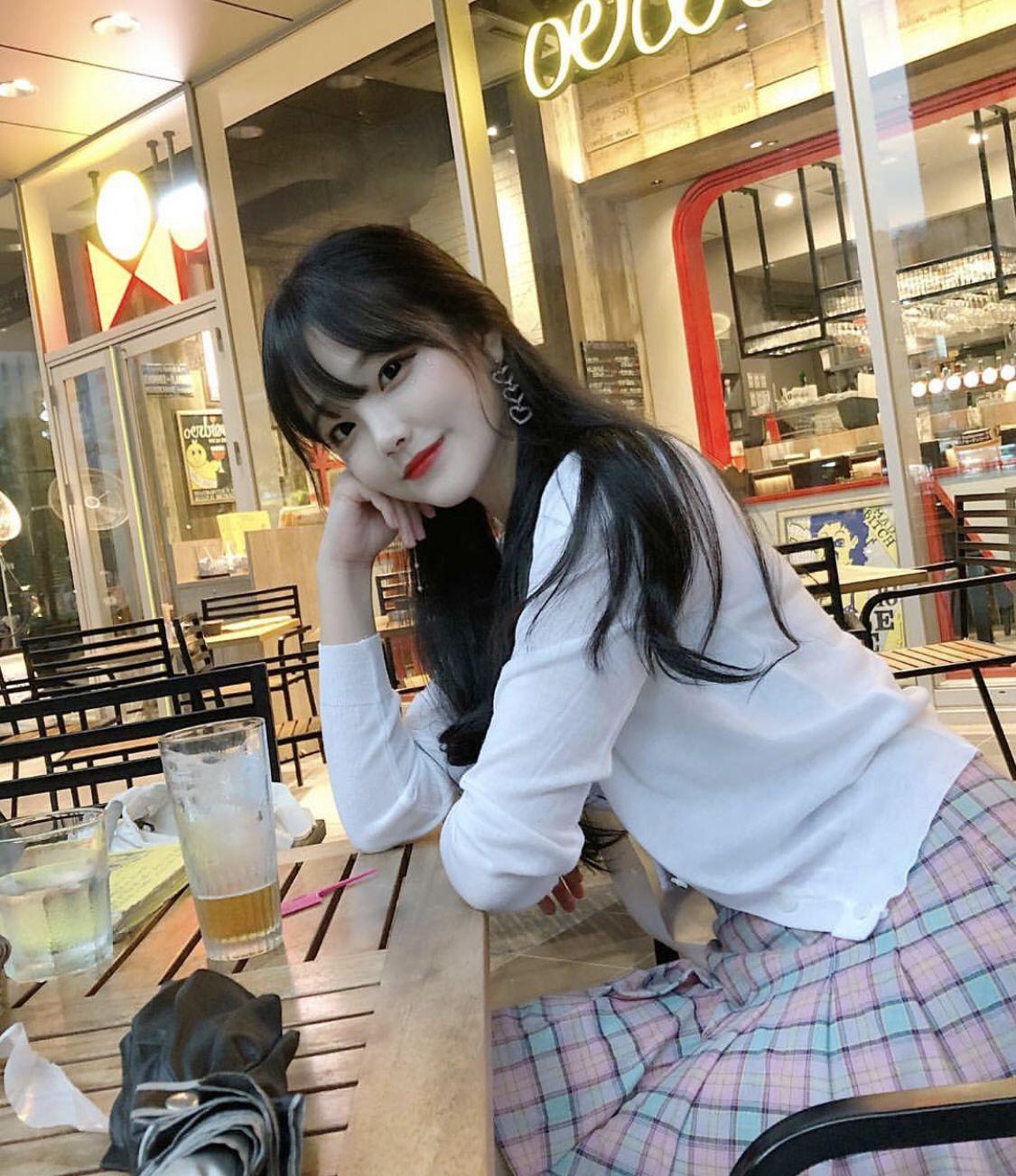 ปักพินโดย Lolly Taeminkook ใน nice korean pics^ ผู้หญิง