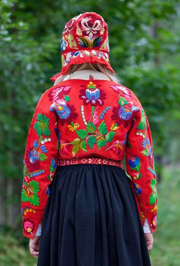 Having Horns Windwrinkle Wool Embroidery In Sweden Folklore Fashion Scandinavian Embroidery Folk Costume