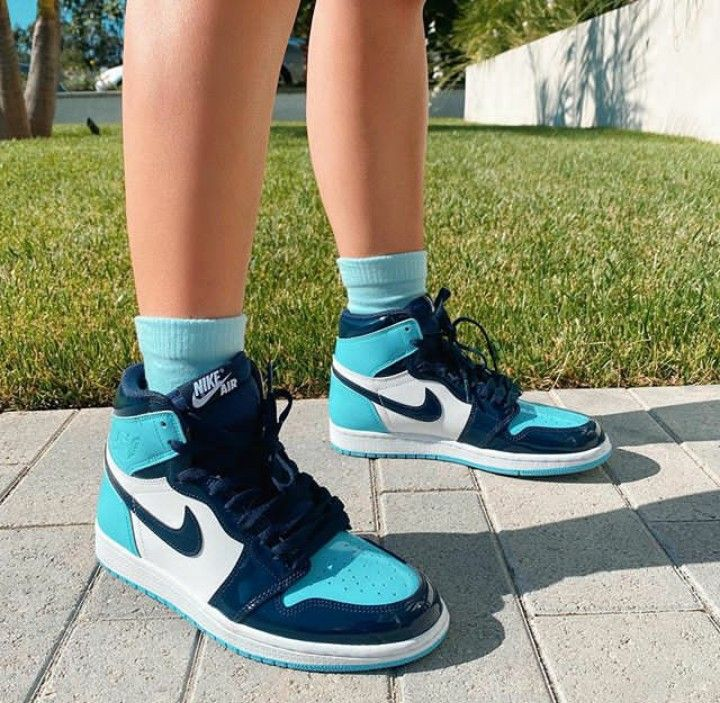 Sneakers Every Girl Probably Needs | Nike | J1S |
