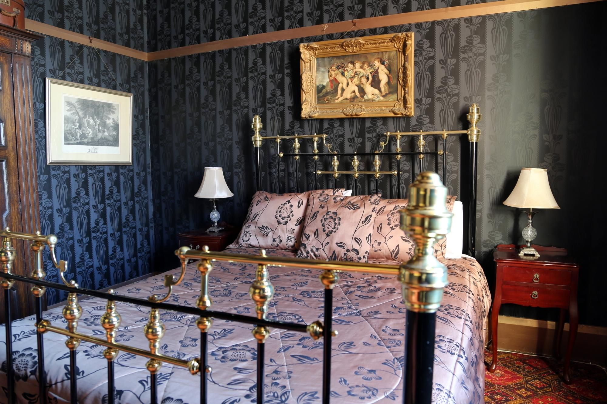 Iron Beds Australia Beautiful Master Bedroom Suite At The Shakespeare Hotel In