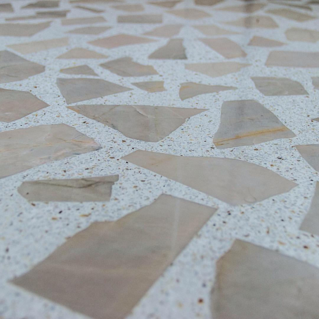 Granilite feito para reaproveitar o mármore original do apartamento