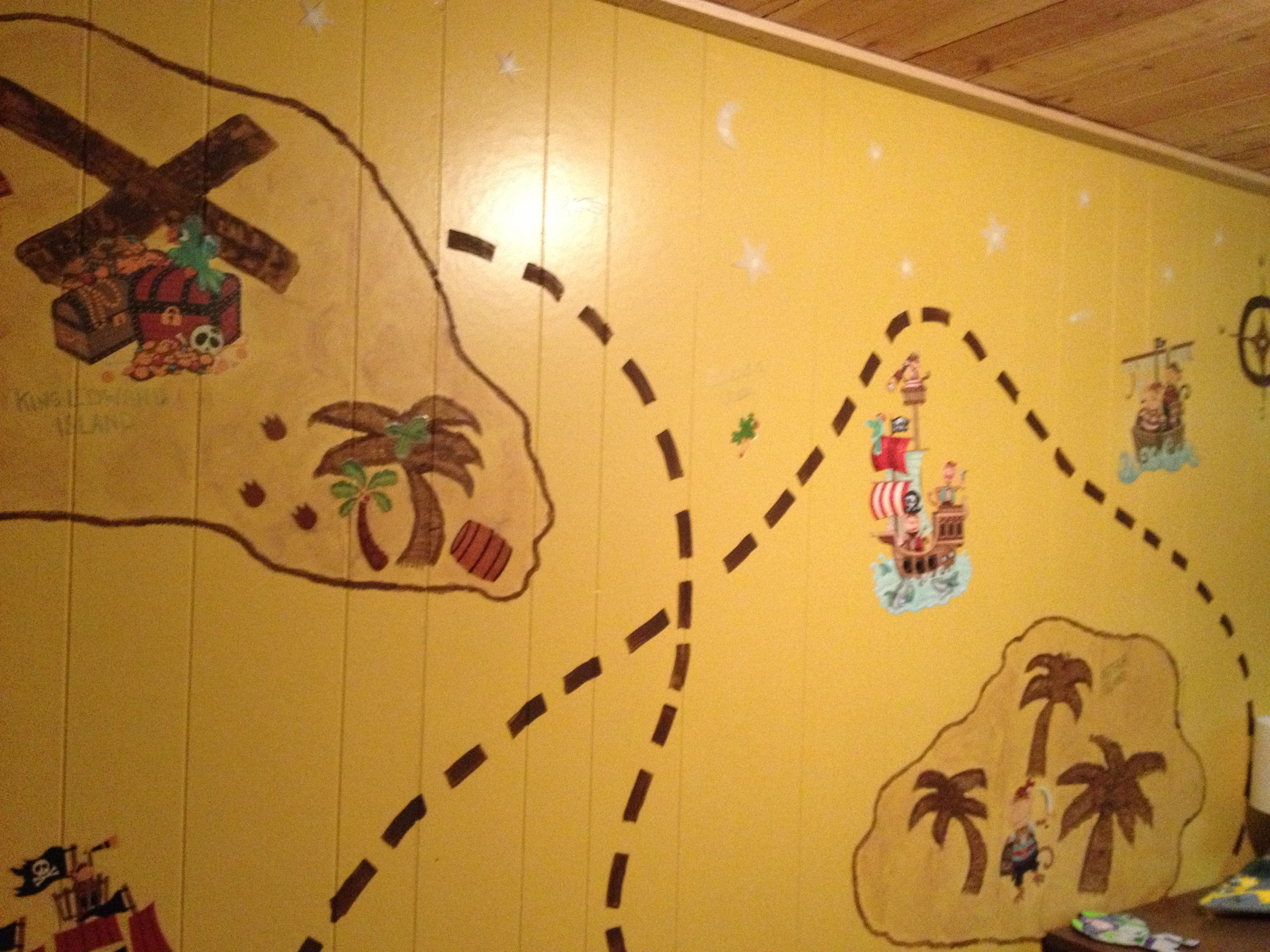 Treasure Pirate Map Painted On Boys Cottage Bedroom Wall Boys - Boys room with maps