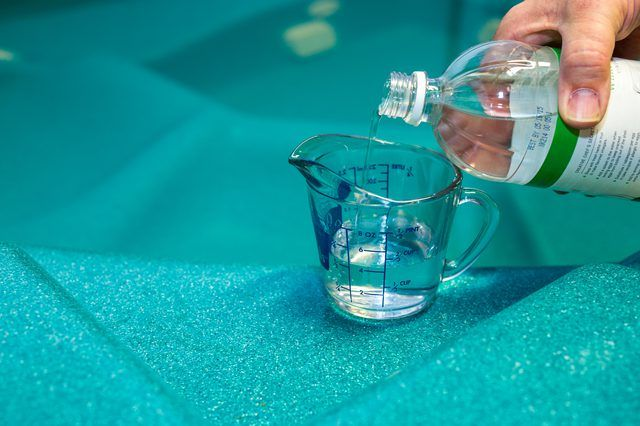 How To Lower Ph In A Hot Tub With Vinegar With Pictures Ehow Hot Tub Cleaner Cleaning Hot Tub Chemical Free Hot Tub