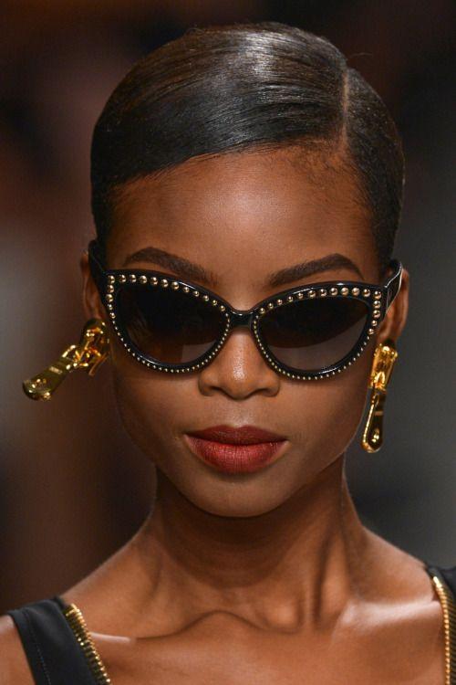 5ef755649ce54 Gafas, Últimas Tendencias En Moda, Semanas De La Moda De Milán, Moschino