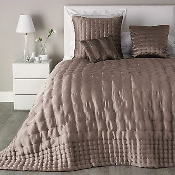 Clarendon Silk Quilt The White Company Bed Linens Luxury Luxury Bedding Sets Bedroom Furnishings