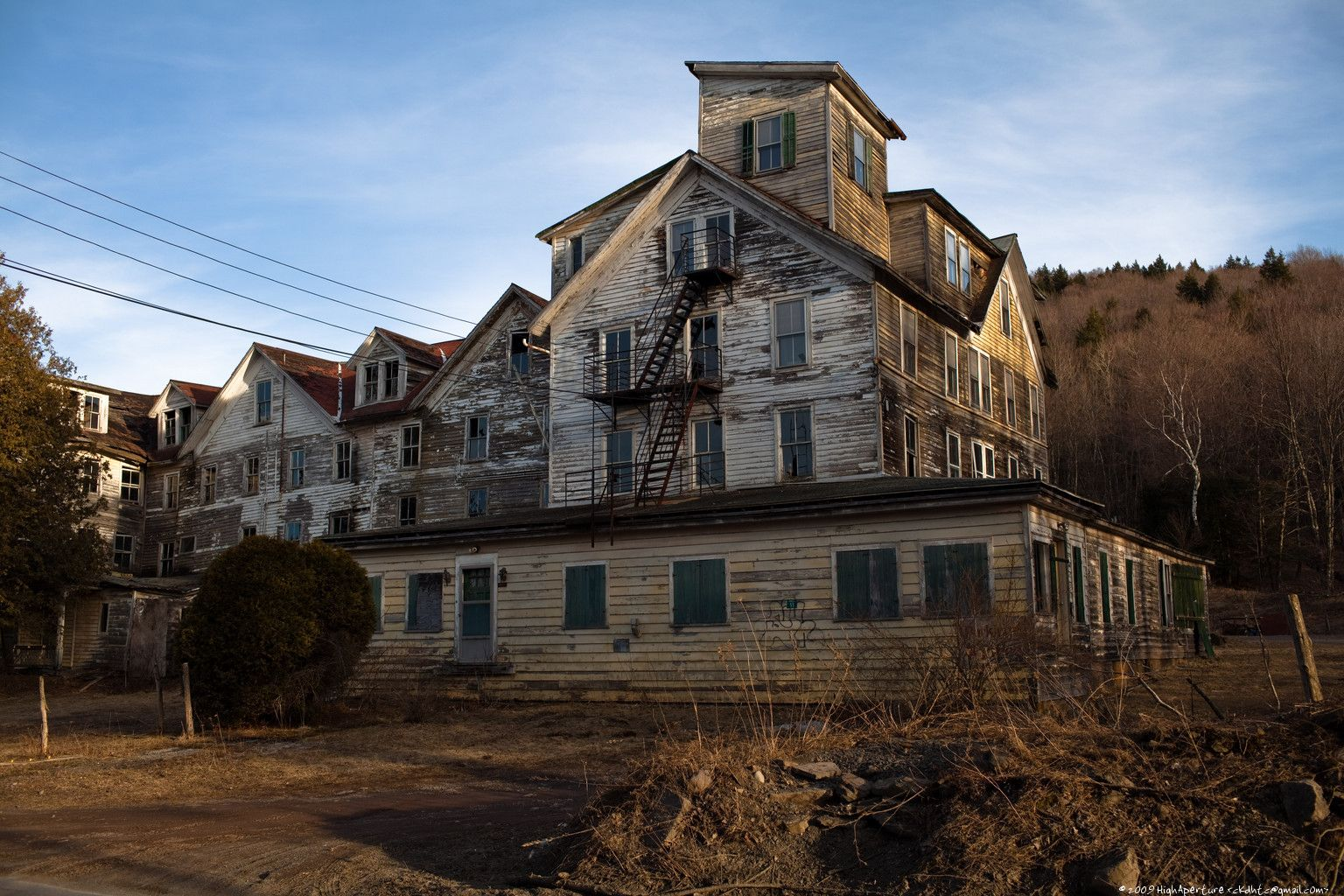 Hunters Hotel Abandoned T
