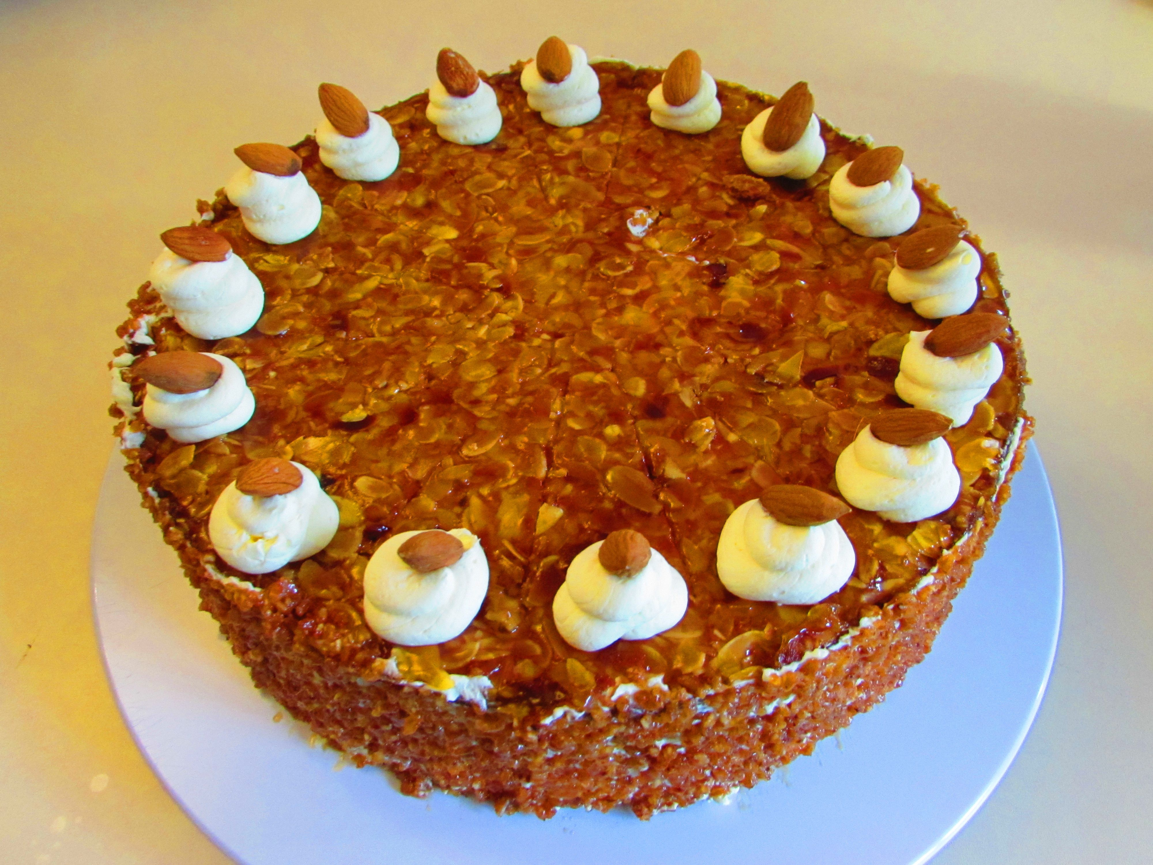 Aus Großmutters Backbuch Die Mandel Grillage Torte DekorationKuchenTorten
