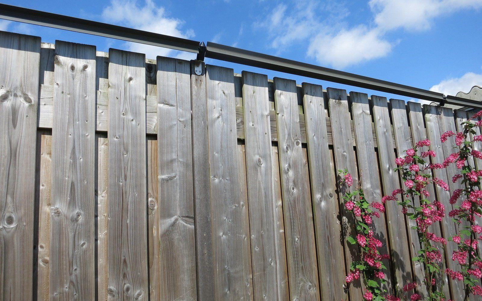 Oscillot® Cat Fence System Timber Fence Installation