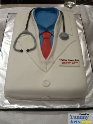 rectangularbirthdaycakeDoctorcoatjpg 300400 Decorated