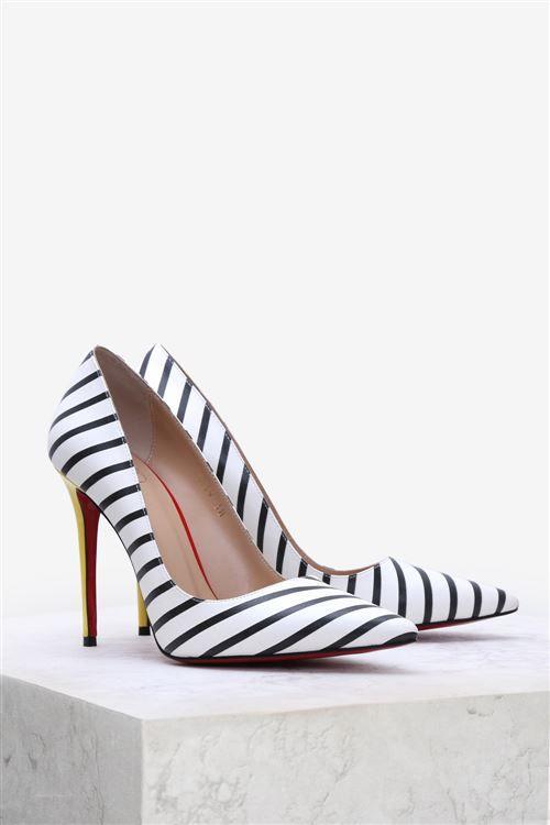 3b8d379cc650a Forever 1039 Stiletto SIYAH CIZGILI Bayanların hayran olduğu bir çok bayan topuklu  ayakkabı modelleri için www.ilvi.com 'u tıklayınız.