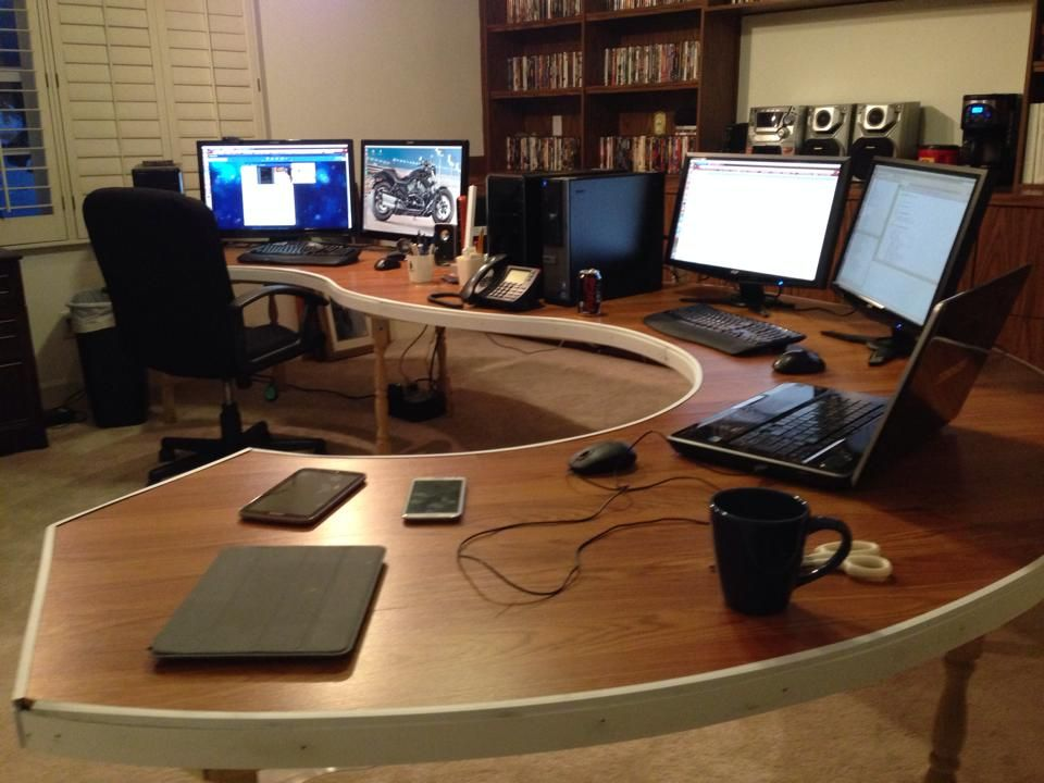 Diy computer desk lots from r battlestations asked for Diy home office desk plans
