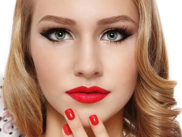 make up for blondes   How To Coordinate Makeup For Green Eyes and ...