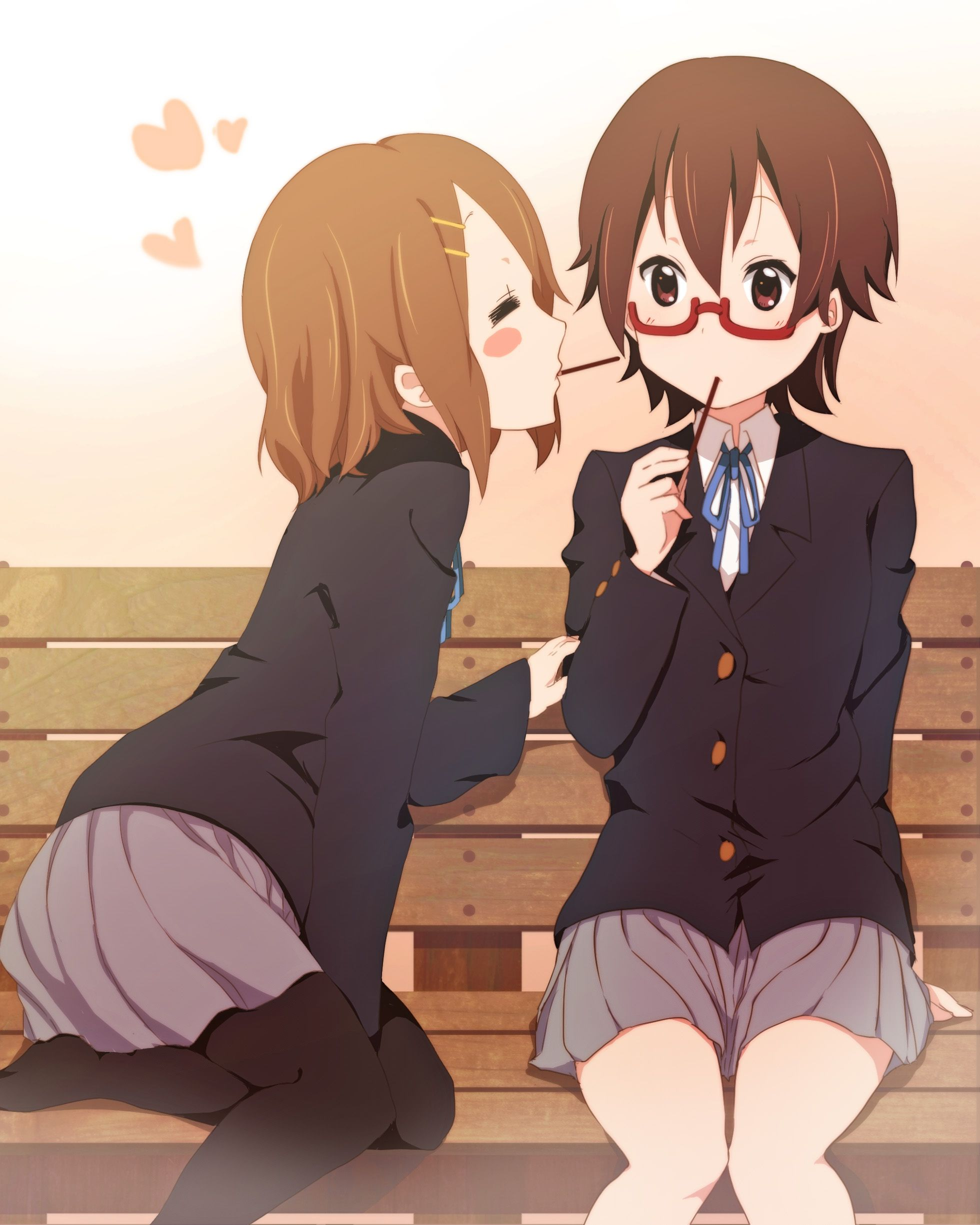 From Left To Right Hirasawa Yui 平沢 唯 And Manabe Nodoka 真鍋